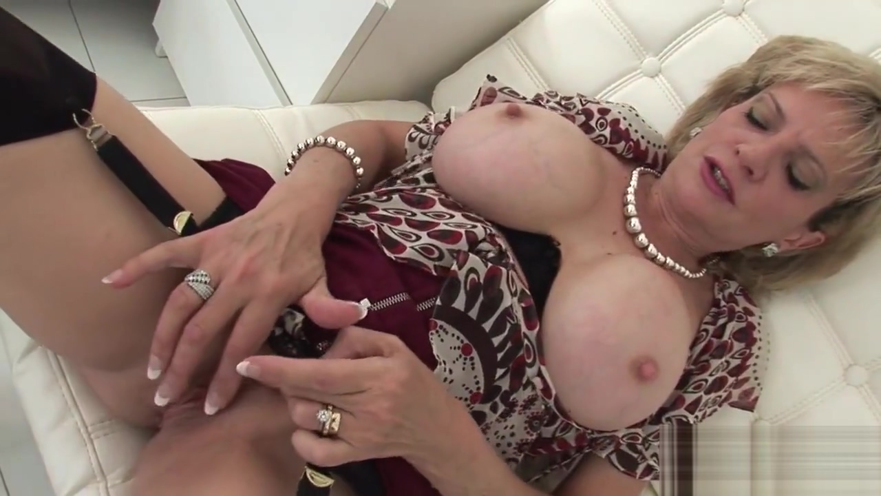 Unfaithful english mature lady sonia showcases her huge boobs Free Online Dating No Money Involved