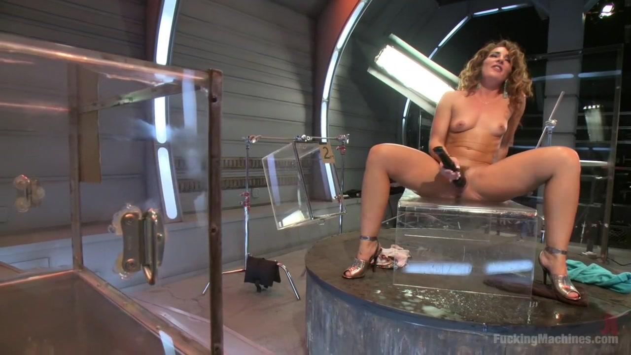 xXx Videos Mature shower pics