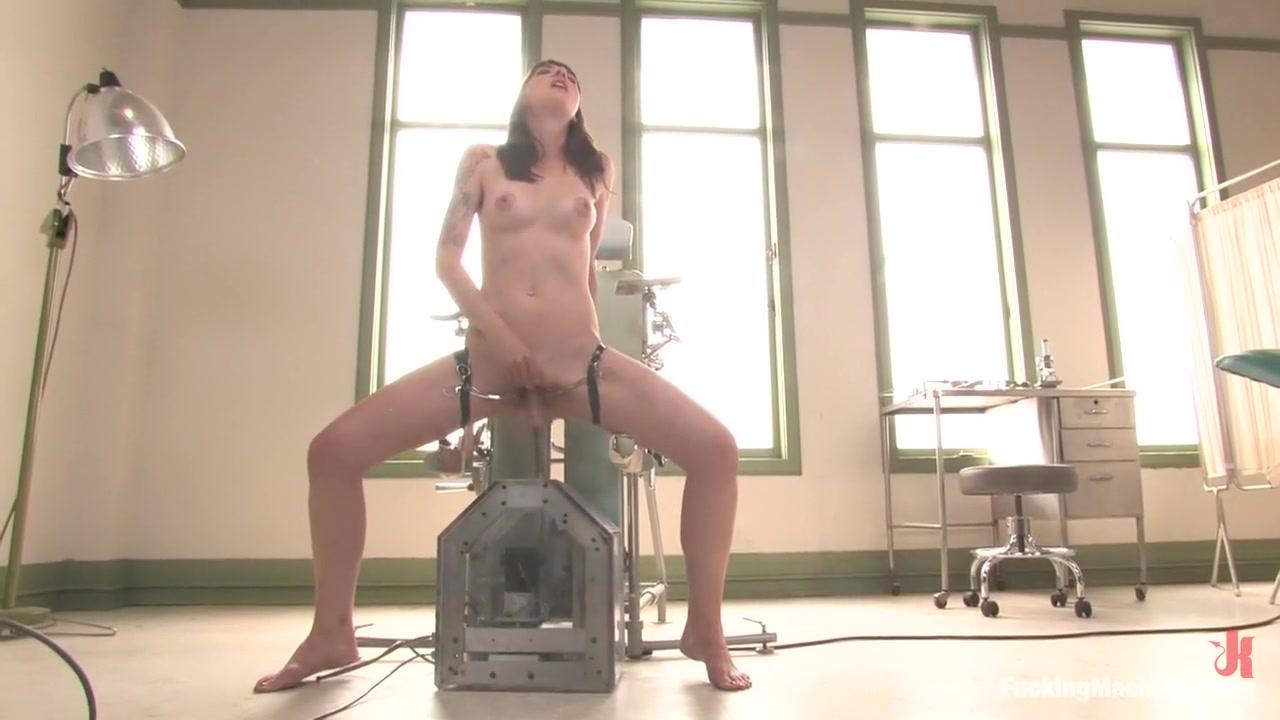 Porn tube Femdom milf silk handjob