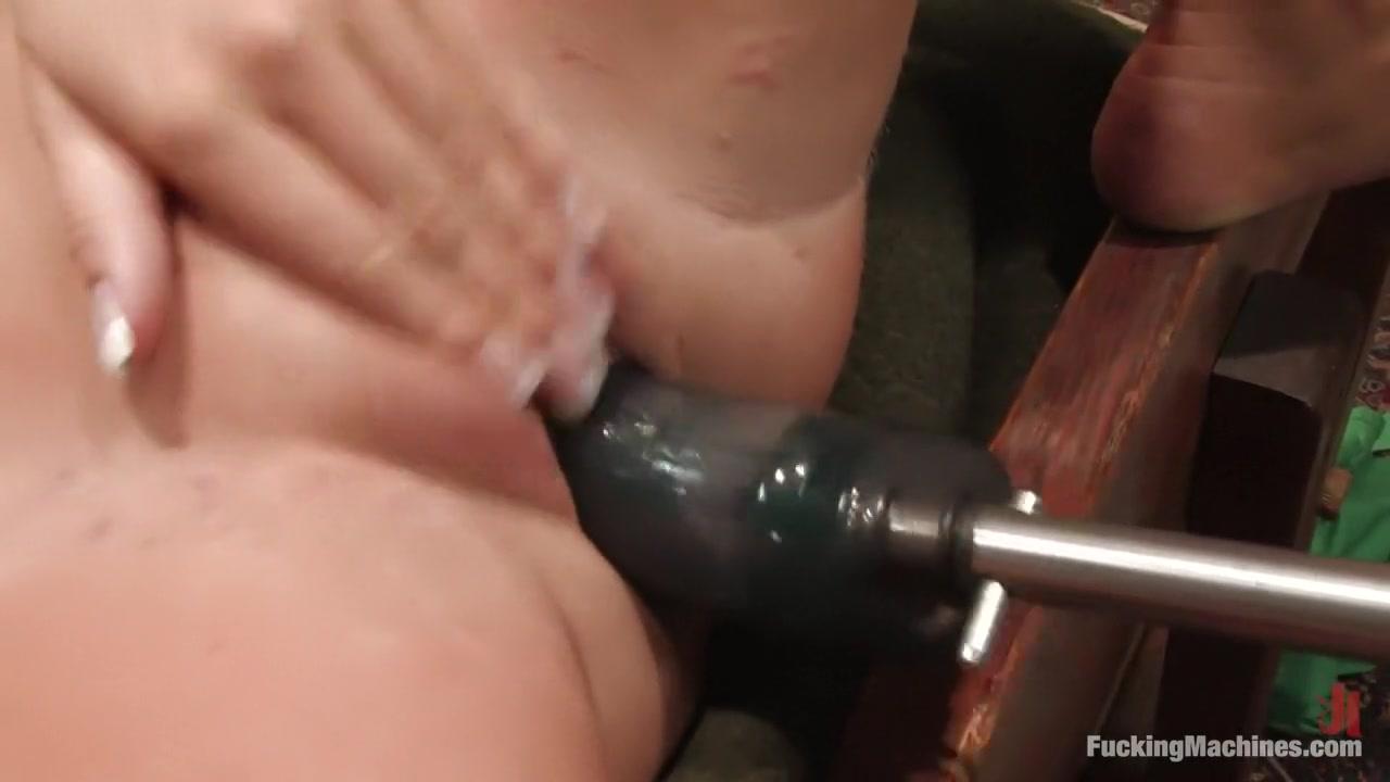 xXx Galleries Sexy drunk girl porn