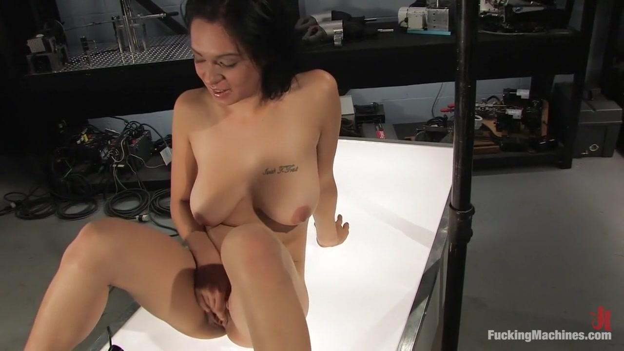 nicki minaj tits nipples Pics and galleries