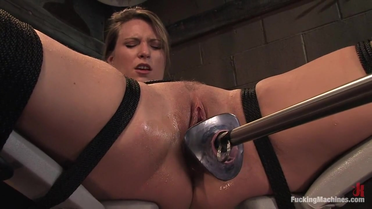 Porn FuckBook Paige Turnah gets fucked instead of doctor view