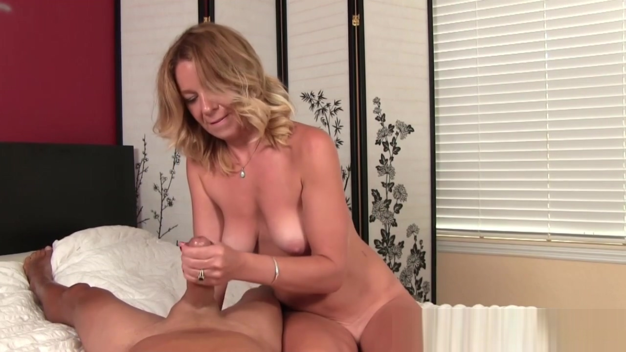 Busty cougar tugging dick and showing pussy ameteur autrailian girls nude