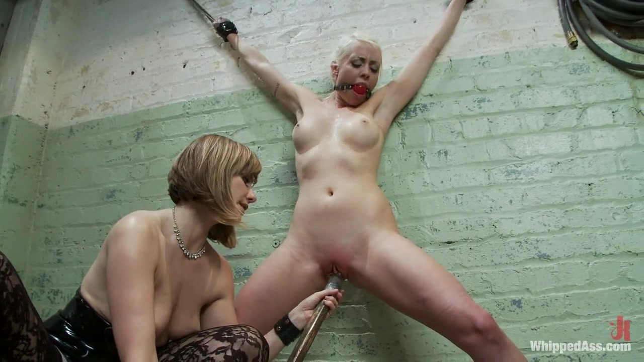 Whore Sucked by mature