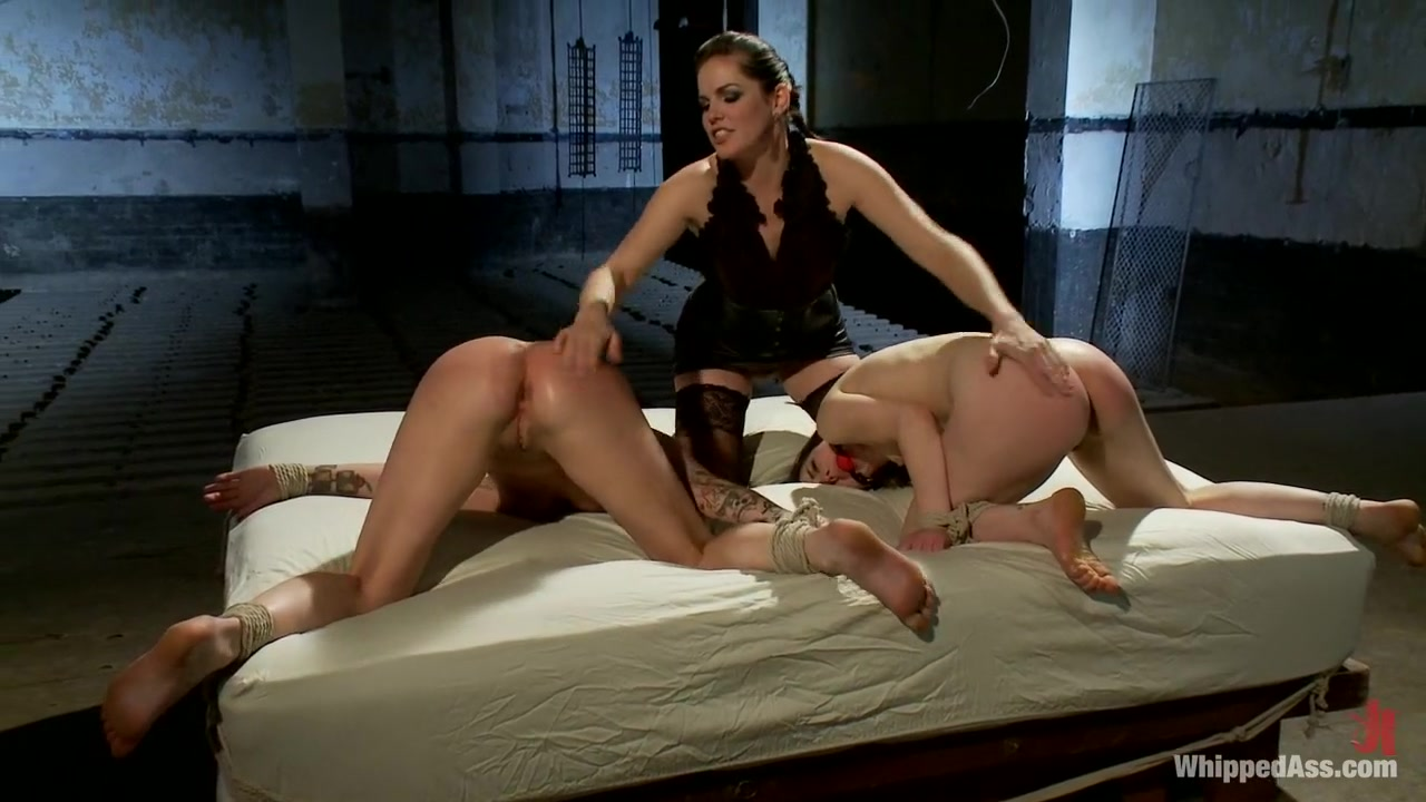 Lesbion orgy Lesbian sexual