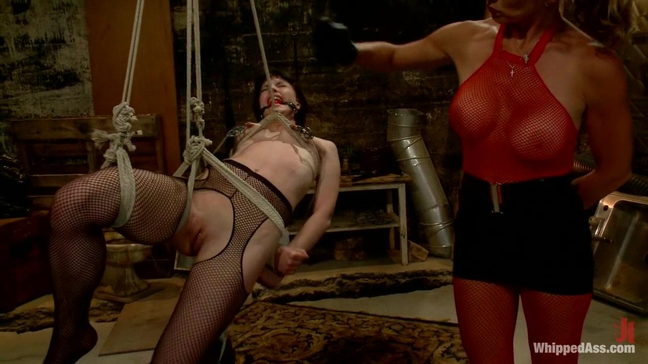 Naked xXx Rub and tug turns into an orgy