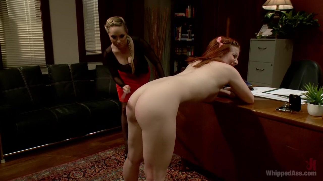 Lesbian masturbates German pornb