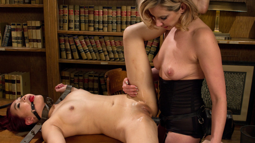 Erotics Lesbie fuckin