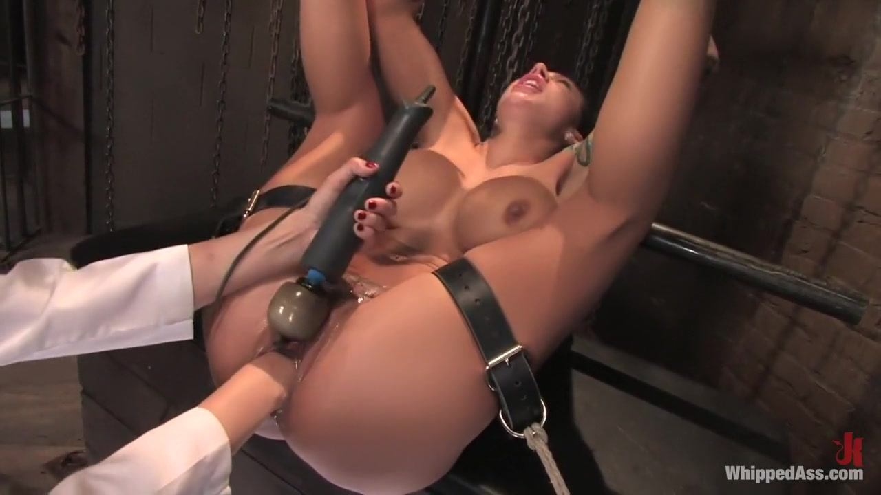 Big Milf vr88 using dildo