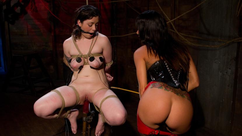 luxury escort budapest Nude pics