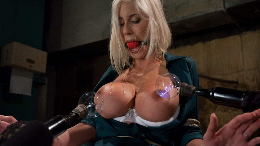 XXX Photo Flaming candels in my lesbian pussy