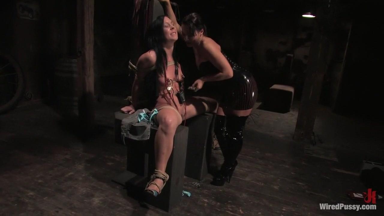 Bisexual orgasm lesbi Pussey