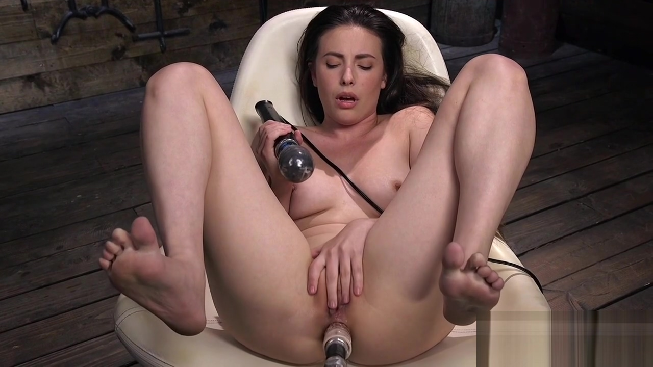 Solo brunette enjoys machine anal sex interracial gang bang heather