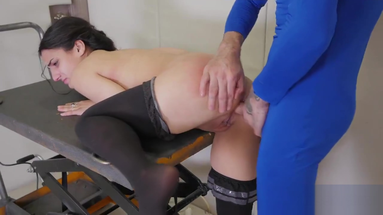 Foxy girl is brought in butt hole asylum for painful therapy
