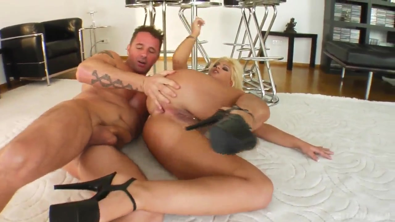 Adult archive Dana dominates and pussy dives Jelena