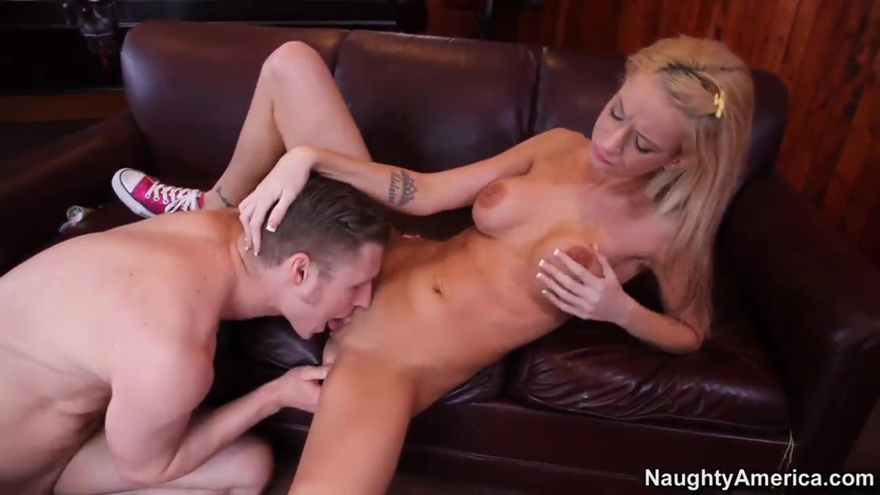 Kaylee Hilton infiltrates Michael Vegas rod First time