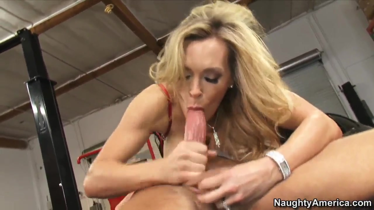 Tanya Tate applies additional stimulation to her chocha How to date someone with a high sex drive