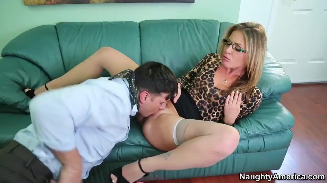 Julia montes coco martin dating Nude 18+
