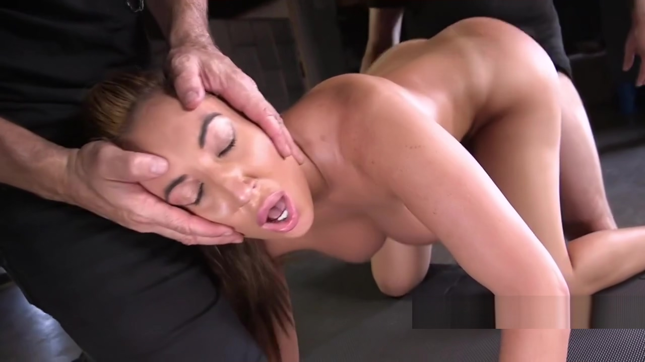 Huge tits slave gets big ass spanked Hi lenth porno foto