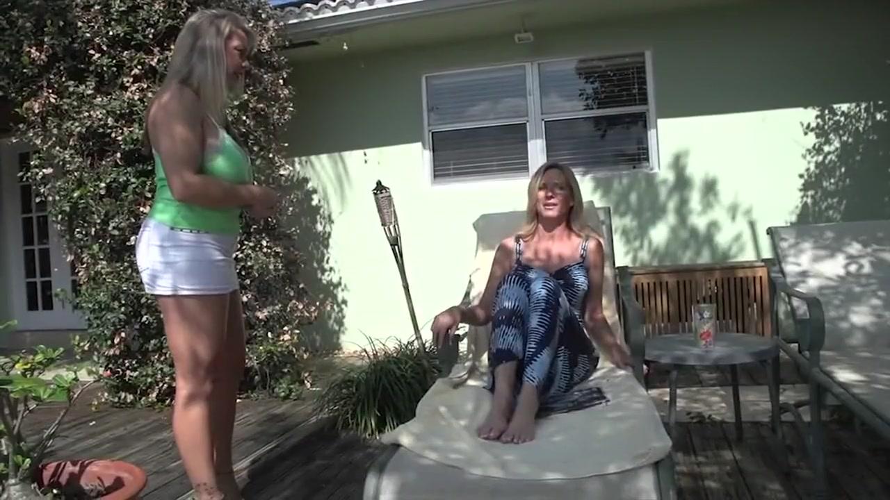 Fuck Brunettes fuckin lesbia