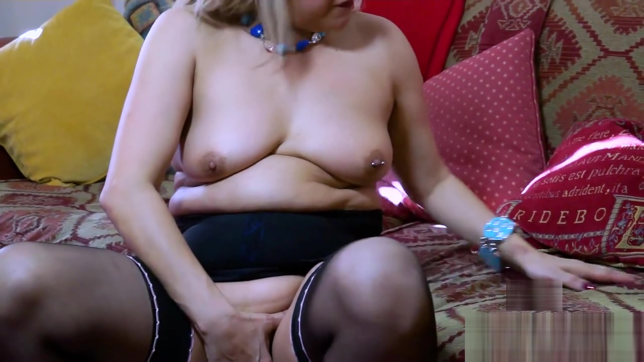EuropeMaturE Milf Exhibitionist direct divx downloads for porn for free