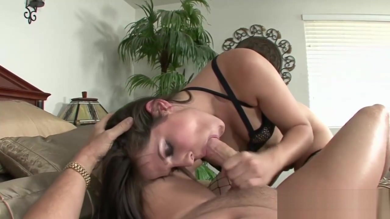 Fishnets Hottie Gets a Pounding Sexy milf cindi gets interviewed and masturbates