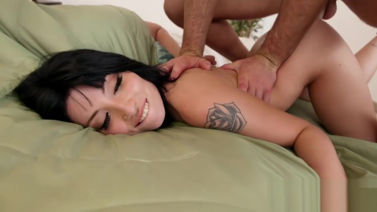Charles Dera screwing Rina Ellis on top of his cock Broken pussy porn clips