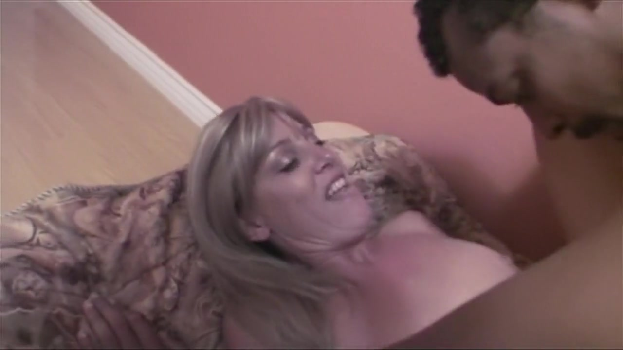 Porn pic Mature women fuck babe milf bbc tubes