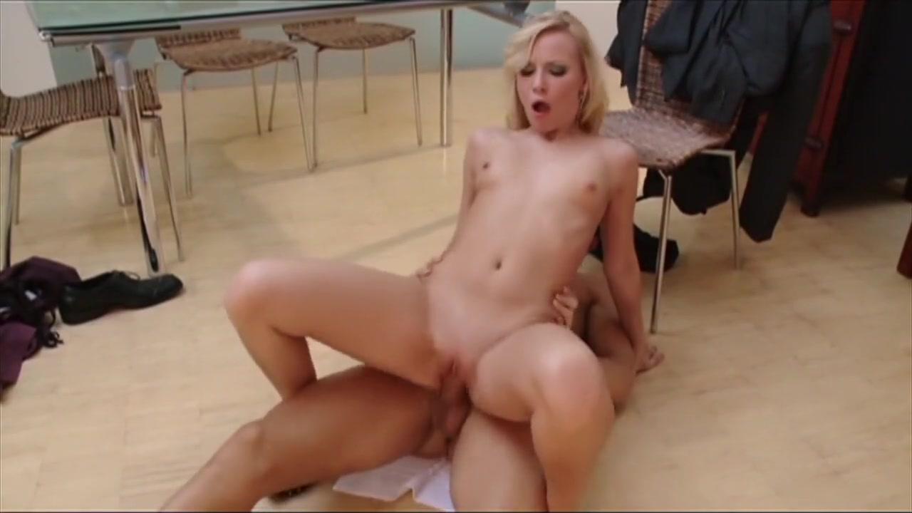 Real amateur tugs dick in threeway Porn tube