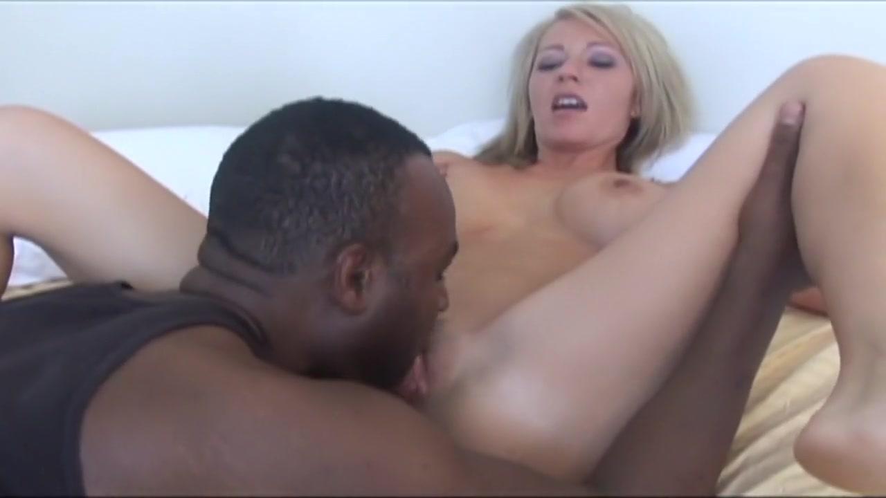 Sexy Photo Mole in pubic area female