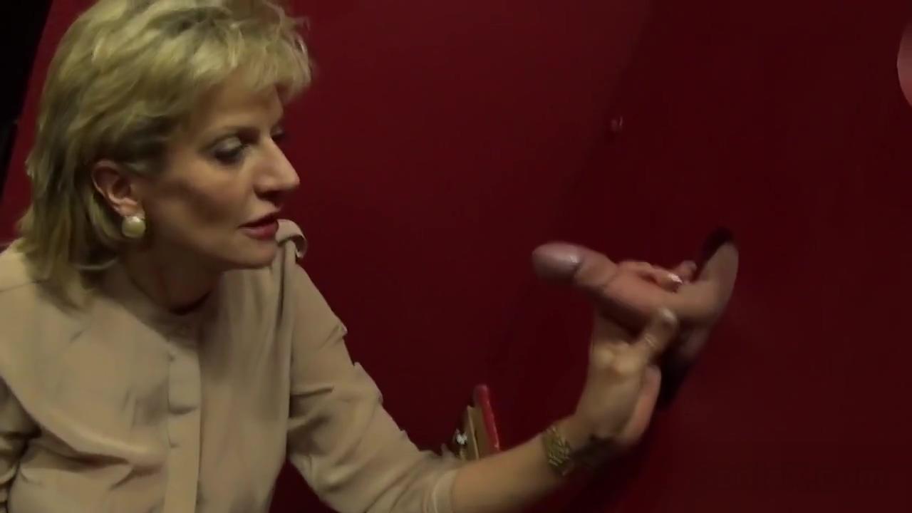 Unfaithful uk mature lady sonia flaunts her giant tits Intimidating personality psychology