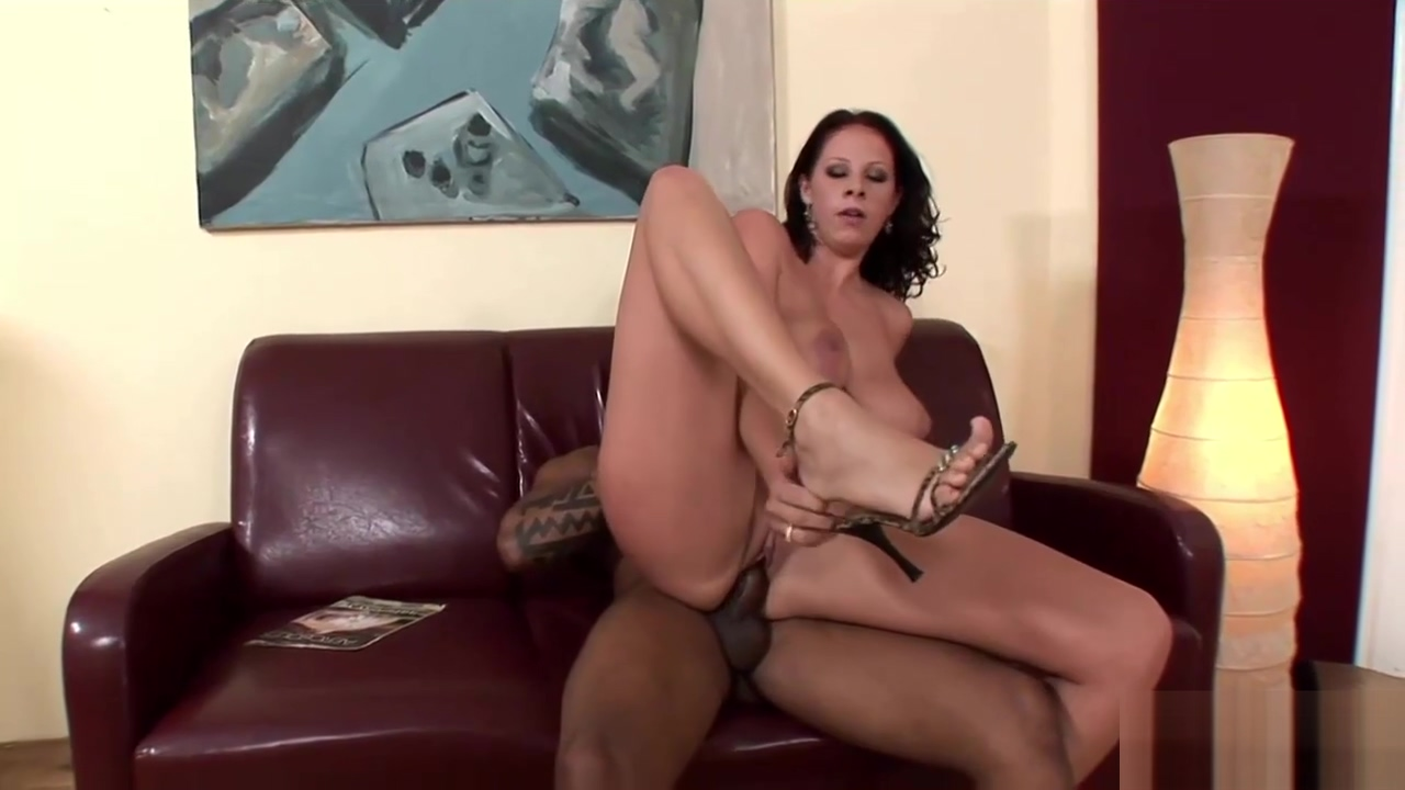Pretty girl craves for a black dick Naked girls cle elum in Hradeckralove