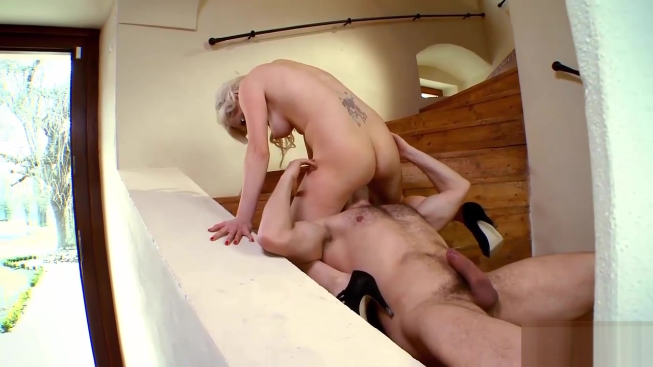 Blonde chick gets fucked by a friend Adult blondie and dagwood