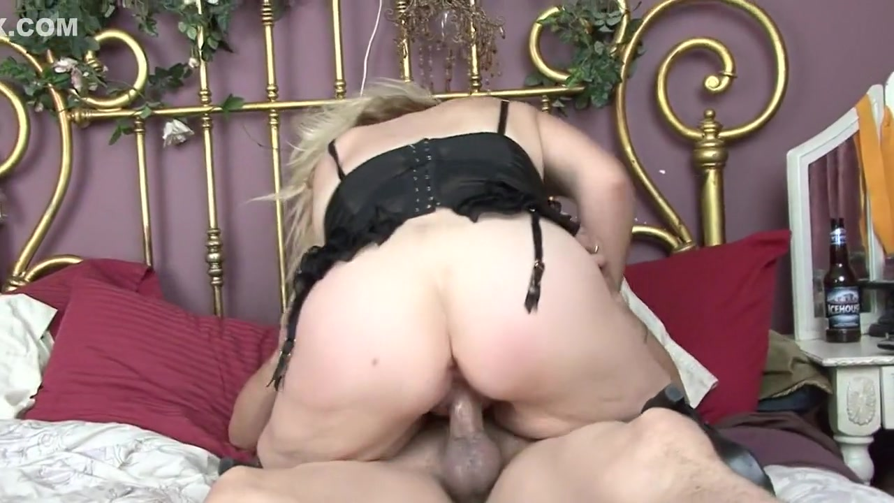Gorgeous milf with huge boobs sucks cock xXx Galleries