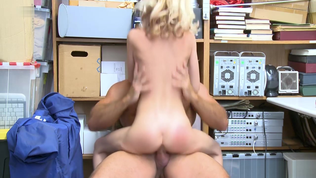 LP Officer screwing Kiara Coles tight pussy on top clover b part striptease