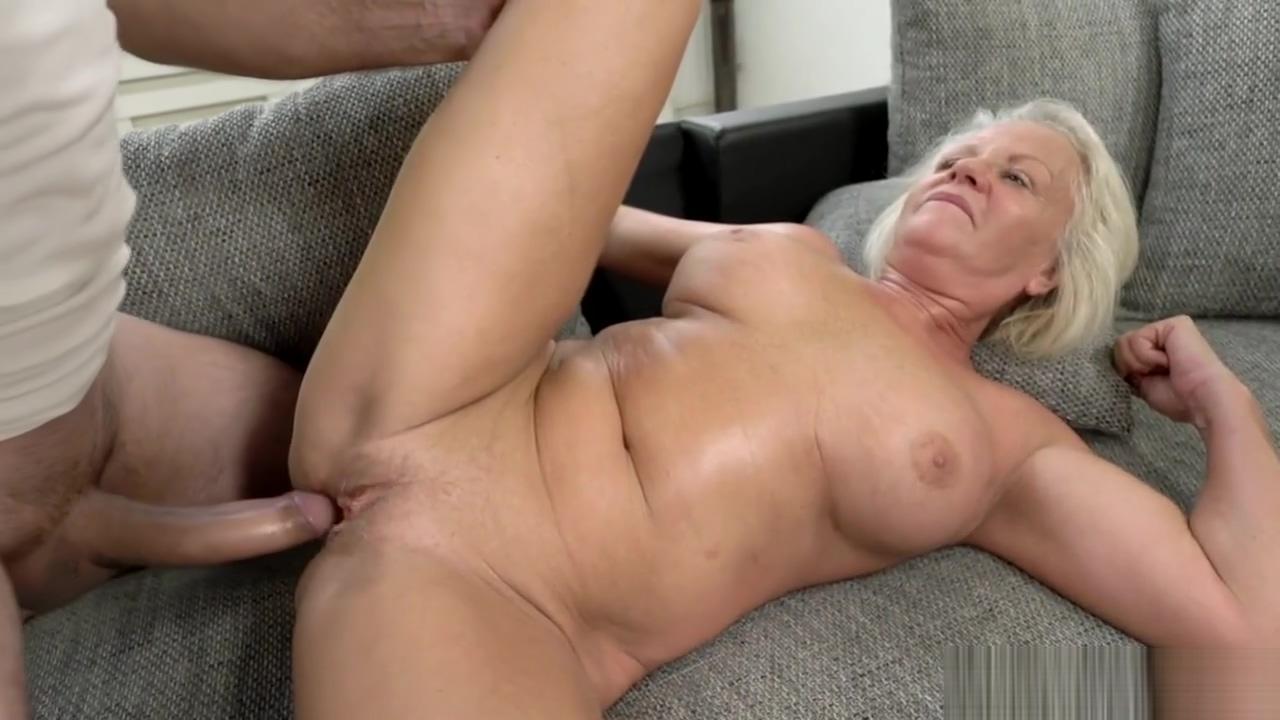 Horny Grandma With Big Tits Gets Fucked Hard ebony ass shaking naked