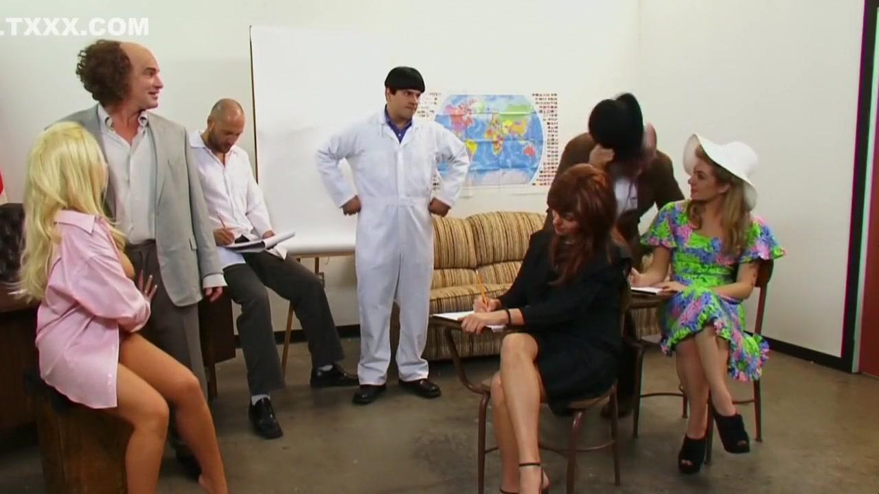 Porn FuckBook Give vulva massage asian girls