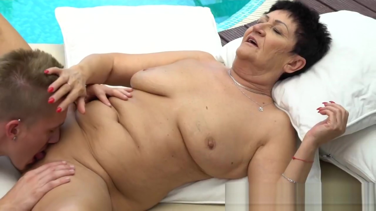Wrinkly old lady spermed Summer sinn huge tits