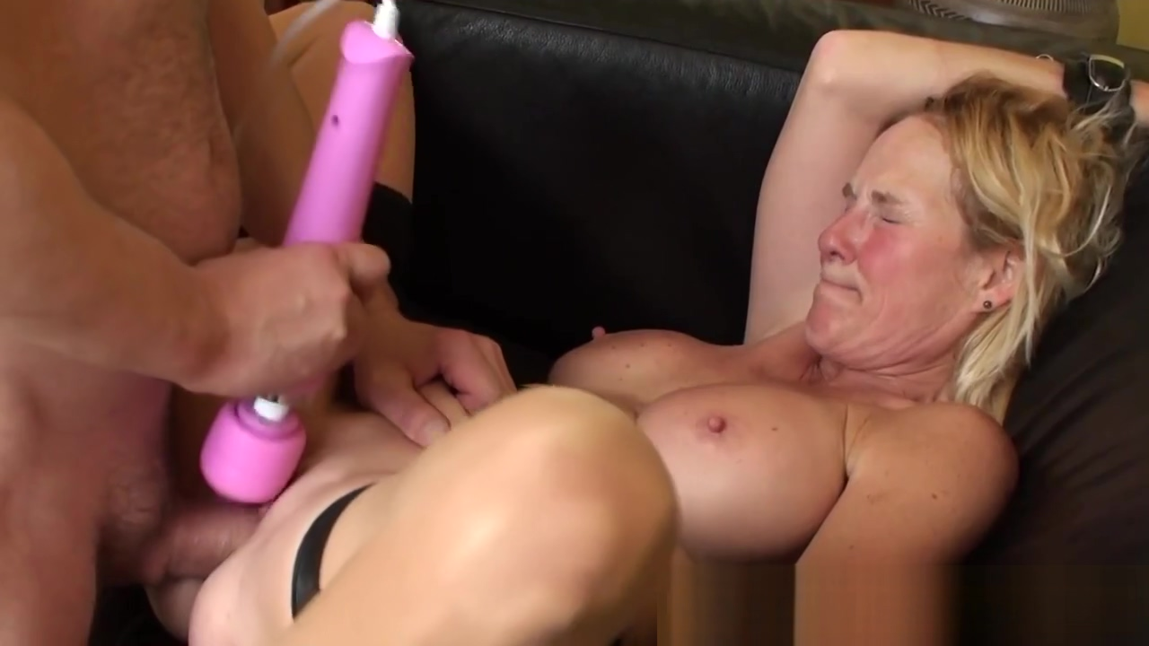 Mature bdsm skank railed real world naked