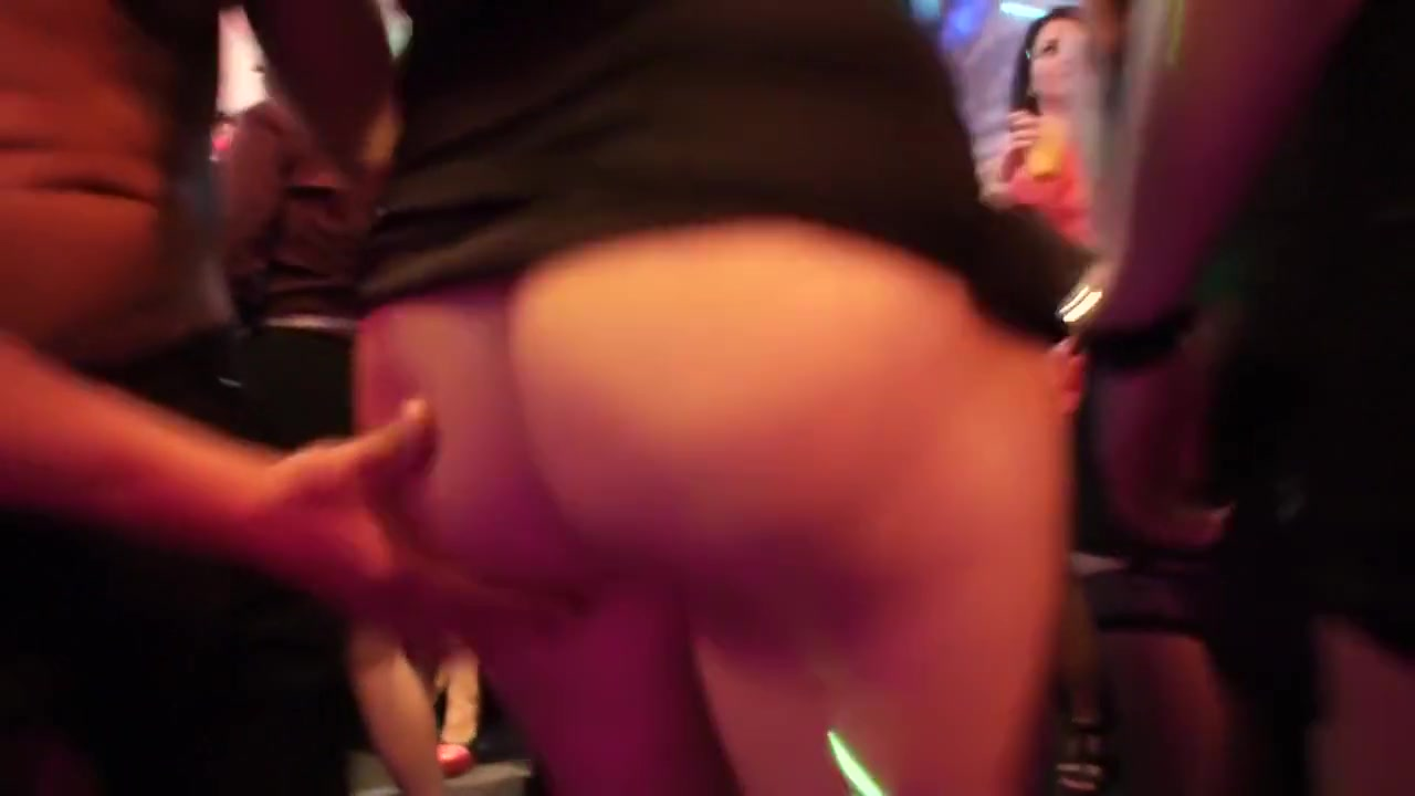 Milfs and huge dicks xXx Images