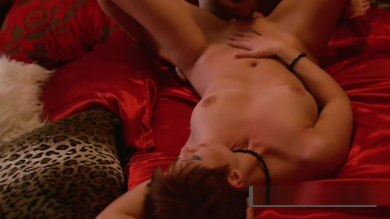 Swinger amateur couples start knowing one another in a touching game outside