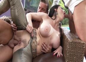 Full movie Sexy girl having sex videos