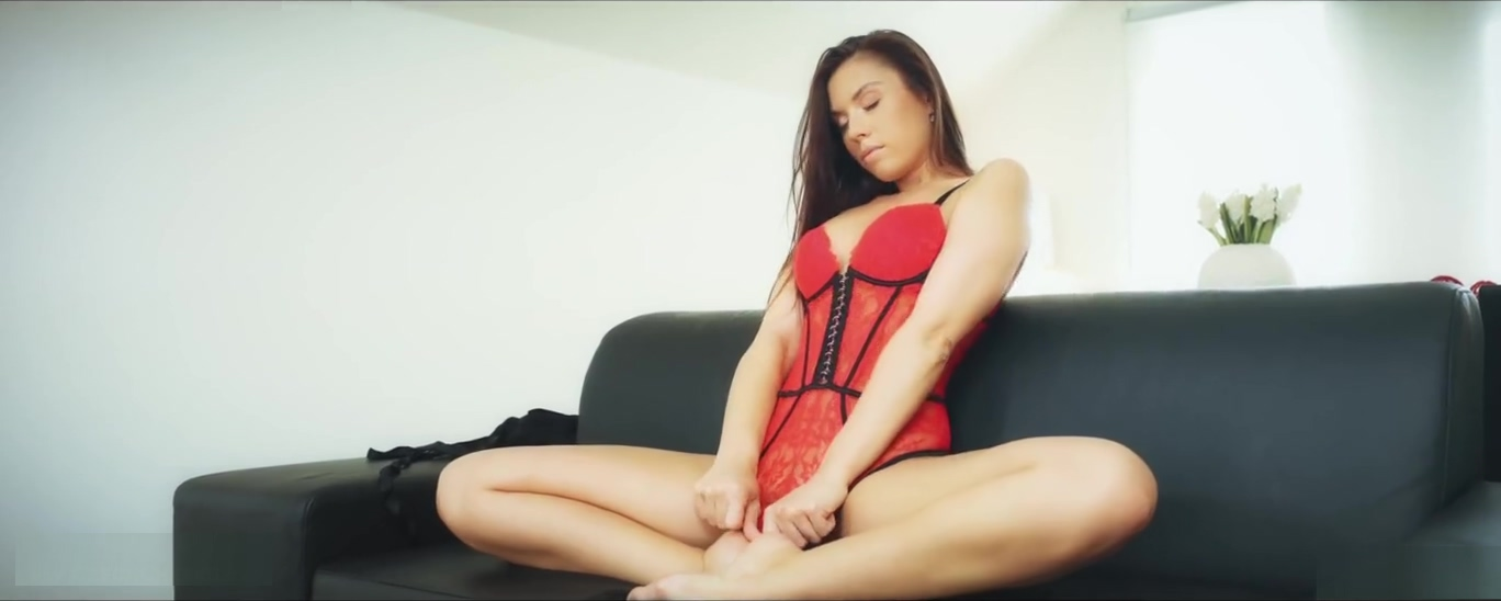Sabrisse - Fitting clothes CzechCheeks Tied up daughter to fuck