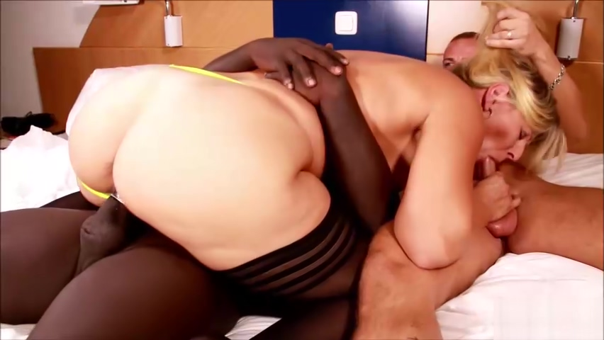 MEGA ARSCH MILF MUTTER TANJA BEI JUNGSPUND DREIER DEUTSCH free sapphic ass licking