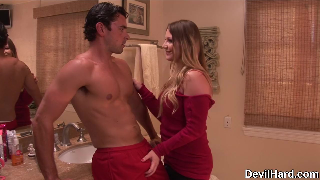 Megan Fox Lesbian Sex Tape Naked xXx