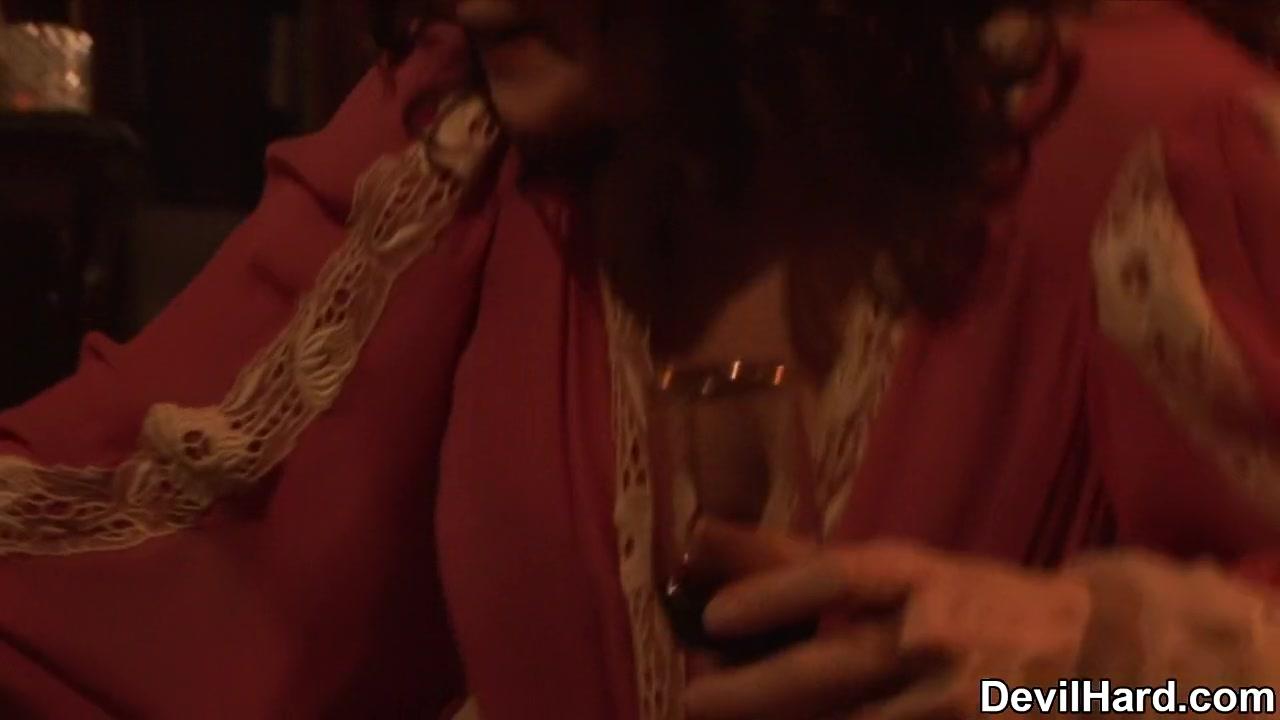 Porn galleries Ver nikita 1x19 online dating