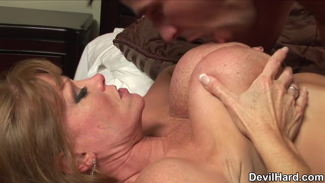 Porn Pics & Movies Best places to hook up outside