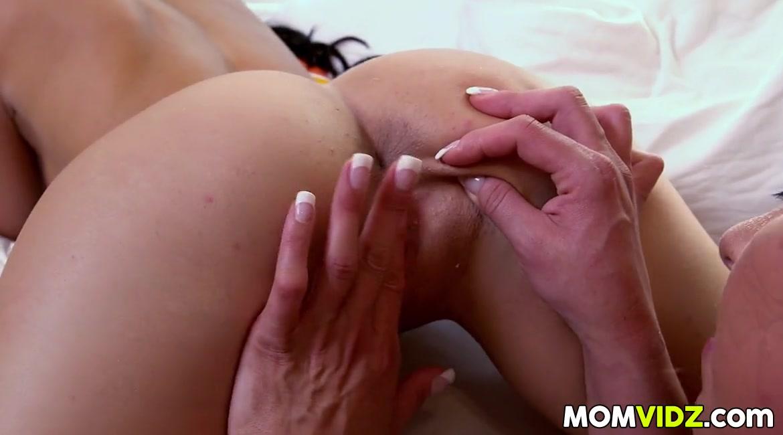 Pornstar Lesbia sext orgasim