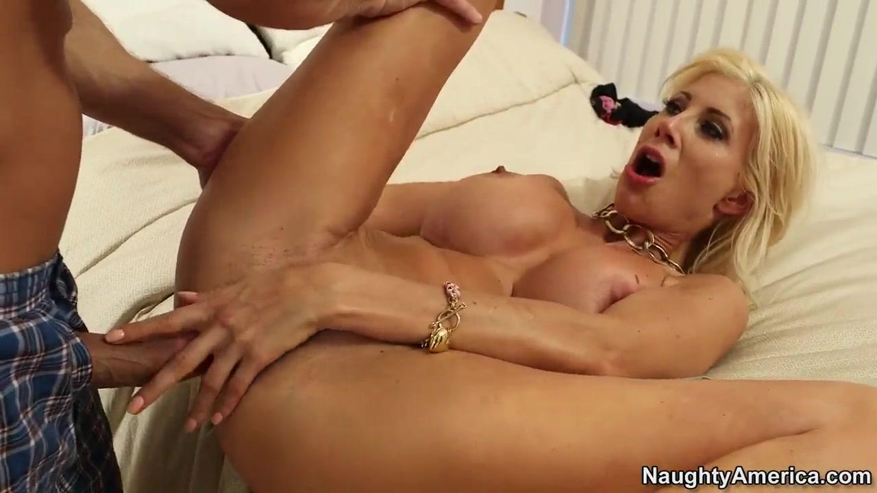 Masturbation porns Peeing lesbiam