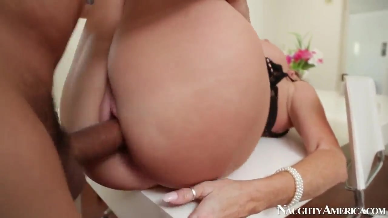 XXX Porn tube Old broad swinger parties